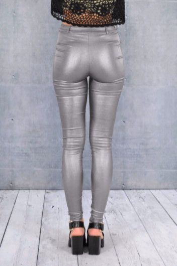 Double Zero Los Angeles Metallic Skinny Pants with Zipper Detail Stretchy, zipper fly and button Color: Silver Runs small and tight, recommend for juniors Sizes: S-M-L Waist 26