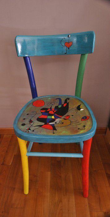 sedie dipinte a mano mobili dipinti in stile funky mobili riciclati mobili colorati mobili fai da te sedie in metallo sedie per scrivania sedie decorate bricolage pittura su legno sedia originale in legno, in stile liberty, dipinta in acrilico e smalto di colore bianco e verde, con disegno curvilineo viola Www Bardinella It Sedie Mobili Dipinti In Stile Funky Sedie Dipinte A Mano Mobili Pittura