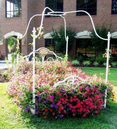 Wrought Iron Bed In Garden Google Search Garten Gartenliege