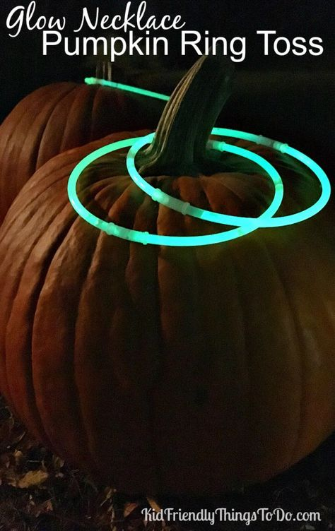 Toss Using Glow In The Dark Necklaces As Rings! -Pumpkin Ring Toss Using Glow In The Dark Necklaces As Rings! -Ring Toss Using Glow In The Dark Necklaces As Rings! -Pumpkin Ring Toss Using Glow In The Dark Necklaces As Rings! Casa Halloween, Halloween Blocks, Creepy Halloween Decorations, Halloween Games For Kids, Halloween Food For Party, Halloween Activities, Halloween 2018, Holloween Games, Halloween Carnival