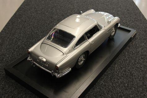 Details Over Eaglemoss Ltd Aston Martin Db5 1 8 Silver