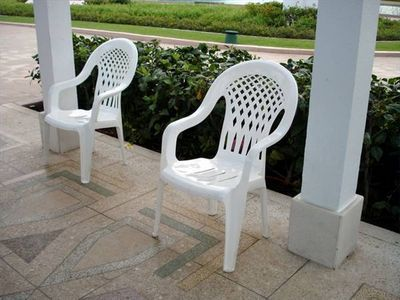 How To Clean White Plastic Lawn Chairs, How To Clean White Plastic Outdoor Furniture