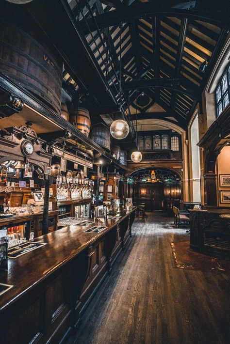 Cittie of Yorke: Enjoy a Pint in an 'Olde' London pub in Holborn, London, England Pub Design, Restaurant Design, Old London, London City, London Food, London Eye, London Street, Best London Pubs, Vintage London