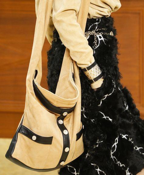 Chanel Fall 2015 Ready-to-Wear Fashion Show