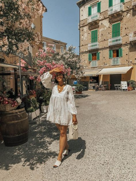 1 Week Guide to Calabria - Icing & Glitter I can't remember ever going to a place and being so robbed for words that it feels completely impossible to write about. Not until this trip to Calabria and Sicily,… Travel Outfit Summer, Summer Outfits, Dress Summer, Simple Outfits, Summer Aesthetic, Travel Aesthetic, Red Aesthetic, Aesthetic Fashion, Calabria Italy