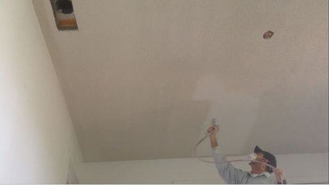 How To Wet A Popcorn Ceiling Using Water With An A How To Wet A Popcorn Ceiling With An Airless Sprayer Or Pump Sprayer Easy Peasy Popcorn Removal Removing Popcorn