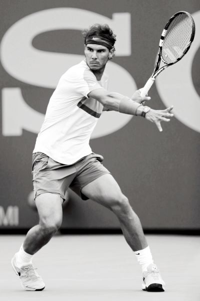 Rafael Nadal - Data y Fotos Rafael Nadal, Human Poses Reference, Pose Reference Photo, Nadal Tennis, Tennis Photos, Tennis Workout, Tennis World, Lawn Tennis, Anatomy Poses