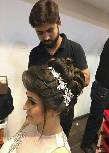 Hair Updos Indian Messy Buns 68 Super Ideas Front Hair Styles Hair Styles Curly Hair Styles Naturally