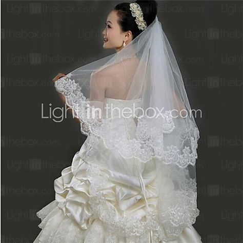 Wedding Veil One-tier Fingertip Veils Lace Applique Edge 59.06 in (150cm) Tulle White / Ivory / Red - USD $7.99