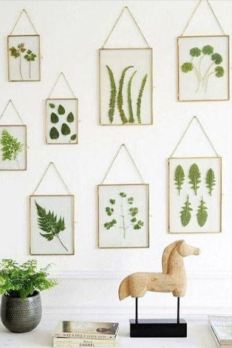 Une Deco Murale Vegetale En 2020 Accrocher Cadre Deco Galerie De Cadre
