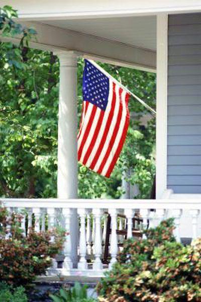 How To Attach A Flag Bracket To Aluminum Siding Aluminum Siding American Flag Flag Painting