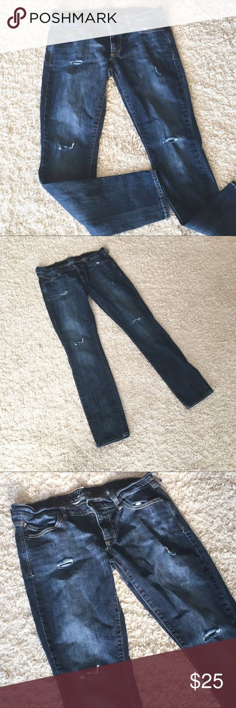 Altered & Distressed Old Navy Jeans Sz 8 Skinny Altered & Distressed Old Navy Jeans Size 8.    Dark wash denim with rips on thigh and knees.  These are so versatile and a great addition to your wardrobe!   Great condition! Old Navy Jeans Skinny