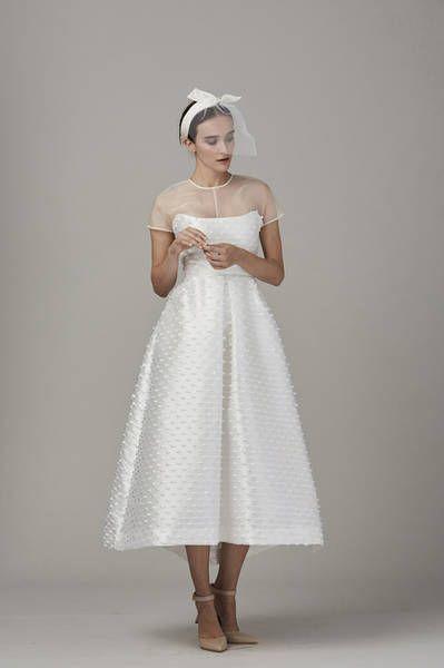 Ein Hoch Auf Kurze Brautkleider Ob Fur Das Standesamt Oder Die Kirche Brautkleid Kurz Kurzes Hochzeitskleid Kleid Hochzeit