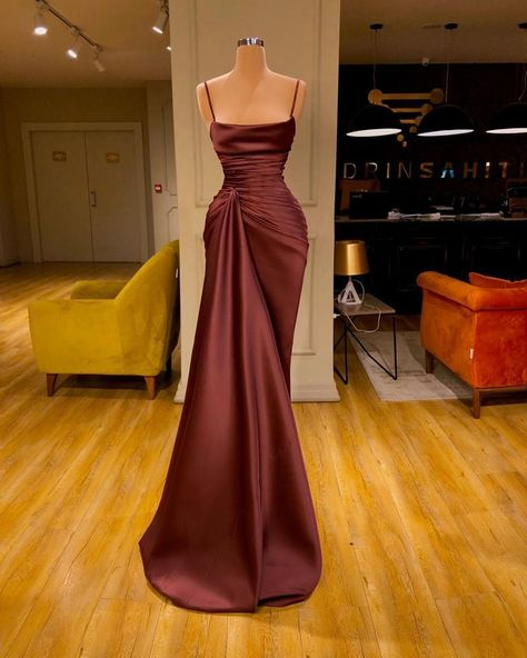 Find the perfect gown with Pageant Planet! Browse all of our beautiful prom and pageant gowns in our dress gallery. There's something for everyone, we even have plus size gowns! Pretty Prom Dresses, Glam Dresses, Mermaid Prom Dresses, Event Dresses, Cute Dresses, Beautiful Dresses, Fashion Dresses, Formal Dresses, Dress Prom