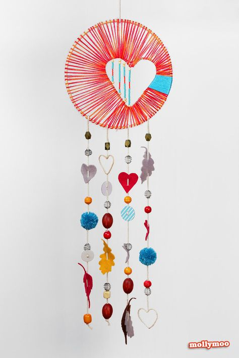 Traumfänger Herz & Federn übers Kinderbett *** DYI Dreamcatchers make for the perfect charm to hang above your children's bed