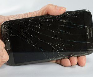 How to Fix Cracked Cell Phone Screens | Cracked cell phone screen, Cell phone  screen, Cell phone hacks