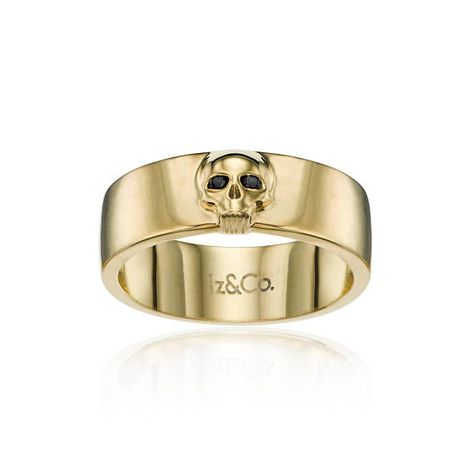 La nostra Band di Skull Black Diamond è che il perfetto equilibrio di badass e tradizionale tutto in uno! Questa solida band è 7mm di larghezza, ha un cranio dettagliato sulla parte superiore della banda e rende per una grande band di matrimonio e/o anniversario plus è possibile scegliere tra