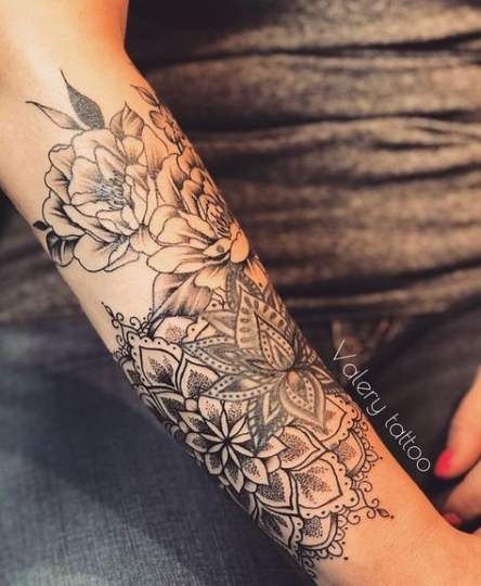 Tattoo Arm Vrouw Roos 43 Ideas Tattoo Sleeve Tattoos Half Sleeve Tattoo Mandala Flower Tattoos
