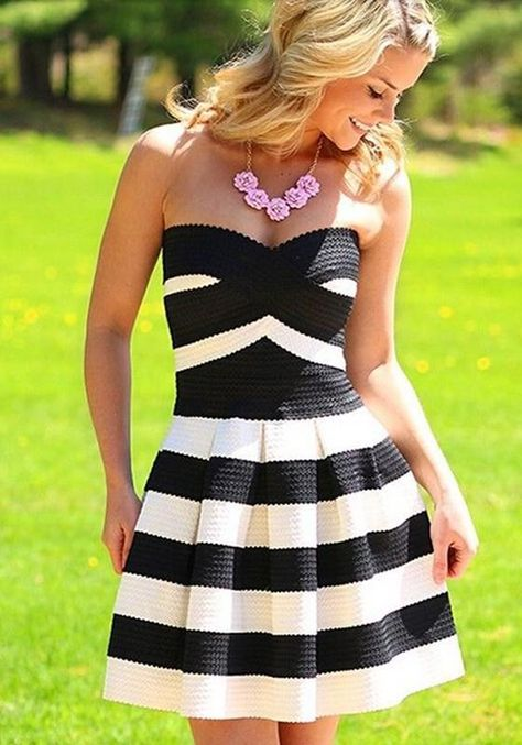 Details Your charming style and sexy curve will shine in this party dress. It features strapless style, sexy and charming. With contrast color stripes pattern,sweet and fashion. Pair it with your sweet necklace,you are so beautiful when in the gathering.