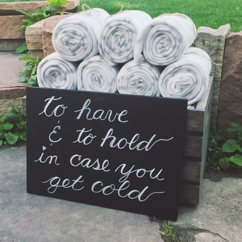 Amazing IKEA Hacks and DIY's that will save you money on your wedding day - Wedding Decorations - Mariage Beach Wedding Favors, Unique Wedding Favors, Wedding Favours Winter, Handmade Wedding, Winter Wedding Ideas, Outdoor Wedding Favors, Winter Engagement Party, Outdoor Night Wedding, Cheap Beach Wedding