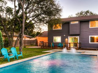 Peaceful Pool Oasis Round Rock West Backyard Oasis Backyard House Vacation Rental