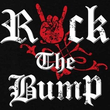 bc7da51fb4fe9 Rock your baby bump with this cool maternity tee in black with a rock hand  sign and grunge texture. Great gift for a pregnant rocker mom to be!