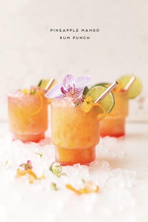 Rum Punch Cocktail, Mango Cocktail, Mango Rum Drinks, Rum Cocktail Recipes, Margarita Recipes, Cocktail Drinks, Tropical Sangria Recipe, Bacardi Drinks, Cocktail