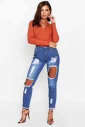 Knie Rip Röhrenjeans | Boohoo#nailsaddict #nail2inspire #nailsofinstagram #nailpro #nails4today #styles #longhairstyles #locstyles #kidshairstyles #outfitsociety #outfitstyle #braidedhairstyles #crochethairstyles #garden_styles #gardenwedding