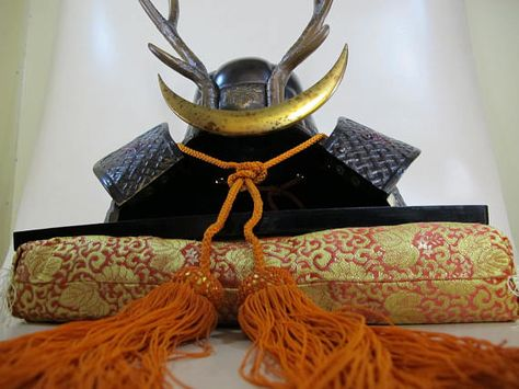 KABUTO STAND 380mm x 270mm Display rack for Japanese Samurai Helmet Armor