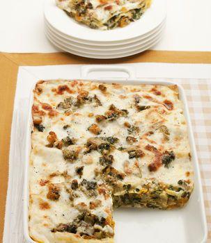 Lasagne con zucca carciofi e spinaci