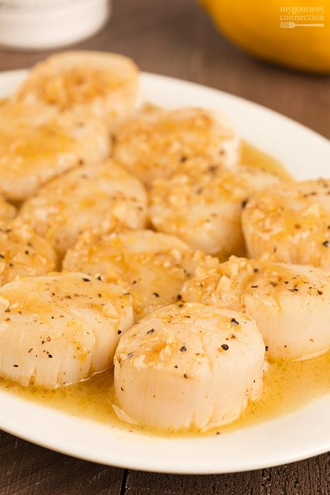 For a quick, yet delicious dinner, try these perfectly-cooked, pan seared sea scallops served with a flavorful pan sauce of butter, garlic, white wine, lemon and cream.