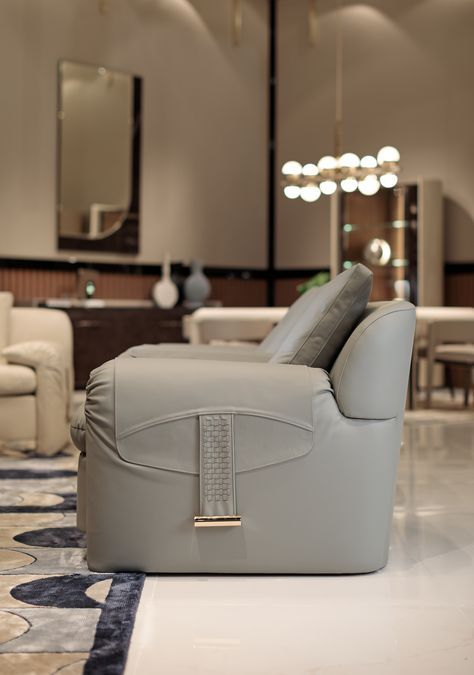 Italian Furniture For Exclusive And Modern Design With Images Italian Furniture Luxury Arm Chair Luxury Living Room