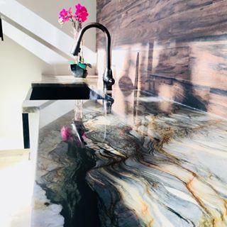 detaillierter Blick UK-Shop schön in der Farbe Royal Marble & Granite (@royalmarblegranitenj) • Instagram ...