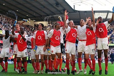 The team celebrate winning the Premiership after the match against Tottenham. White Hart Lane, 25/4/04. #Arsenal