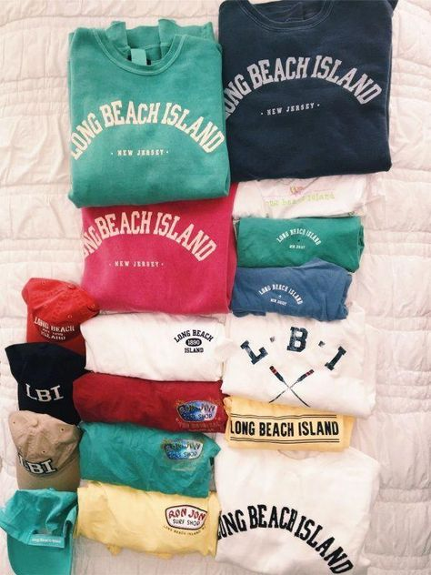 University of Wisconsin-Eau Claire Girls Pullover Hoodie Grunge School Spirit Sweatshirt