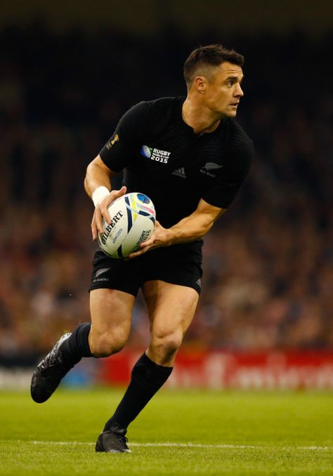 Footy Players: Dan Carter of the New Zealand All Blacks