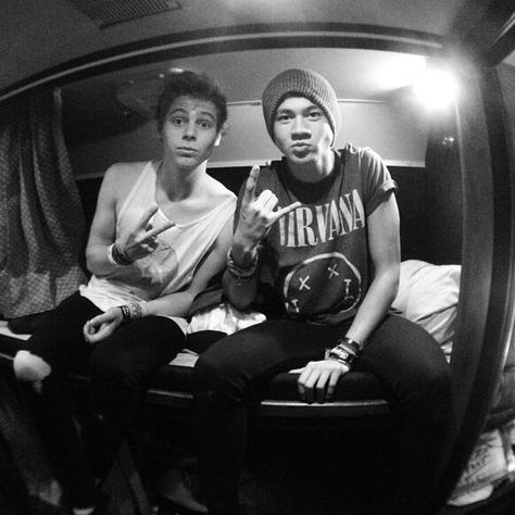 Twitter / 5SOS: Gus Bus Cribs ;) coming your ...