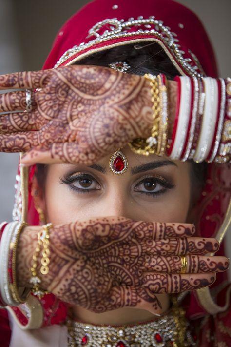 Henna bridal tattoos for a destination wedding in Paris by A&C Paris Wedding Planners