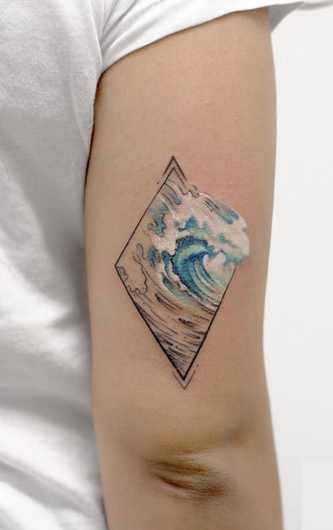Sea-inspired watercolor tattoo © tattoo artist  Deborah Genchi 💙🌊💙🌊💙🌊💙