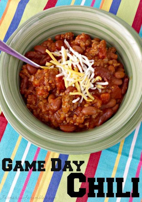 Game Day Chili Recipe via Farmer's Wife Rambles