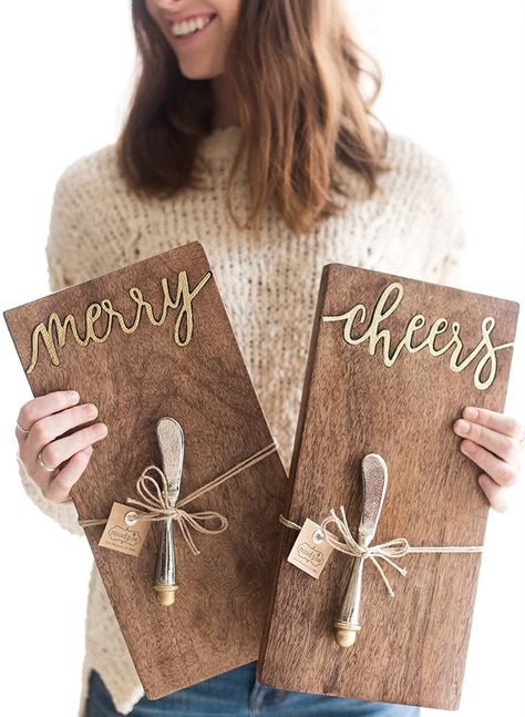 Show the holiday hostess you're grateful for her with one of these stylish hostess gifts she can put to good use! Mud Pie is a haven for the modern hostess with countless gift options that range from seasonal to everyday. Small Thank You Gift, Thank You Gifts, Small Gifts, Baby Shower Hostess Gifts, Shower Gifts, Cadeau Client, Host Gifts, Wraps, Celebration Quotes
