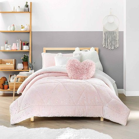 Give your child's bedroom a stylish upgrade with the UGG Maisie Comforter Set. Featuring a super soft sherpa reverse comforter, you can surround your little one's space with lush pink hues and supreme comfort fit for a princess. Pink Comforter, Duvet, Twin Comforter Sets, Pink Bedding Set, Cute Bedding, Cute Bedroom Ideas, Room Ideas Bedroom, Girls Bedroom Decorating, Tween Girl Bedroom Ideas
