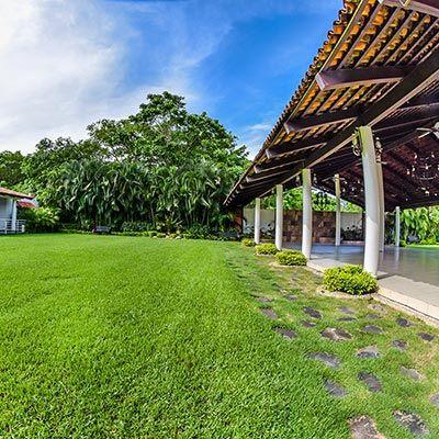La Gran Terraza El Mejor Salon De Eventos En Puerto Vallarta Casas Para Eventos Salon De Eventos Salon De Fiestas Jardin