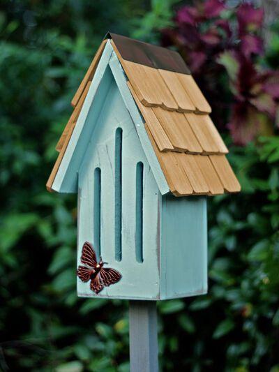 Diy Bird Feeder Discover Heartwood Butterfly Breeze House In 2020 Butterfly House Bird Houses Diy Unique Bird Houses
