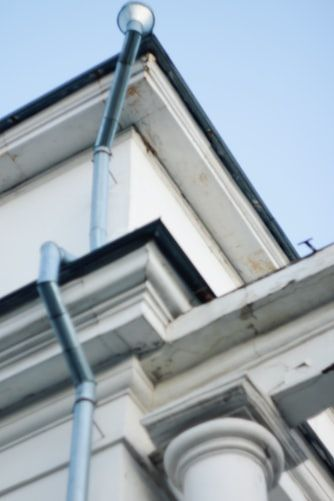Easy Gutter Fix And Gutter Repair In Grove City In 2020 Gutter Repair Cool Roof Grove City