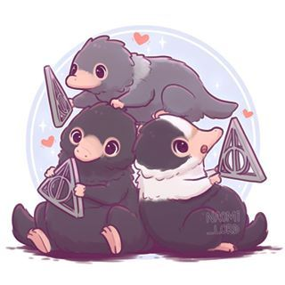 Family Niffler ils ont trop mignons !!!!!😍 Particularité : ils adorent tout ce qui est brillant Animaux Fantastiques