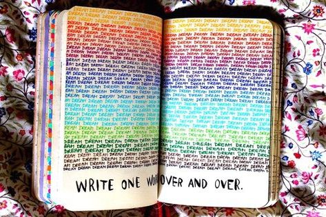 THE BEST rainbow themed bullet journal spread ideas! I'm so glad that I found these GREAT colorful bullet journal layouts! I'm going to try these bright maximalist bullet journal spreads myself! #bulletjournalideas #bulletjournals