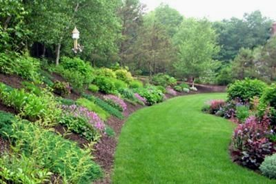 41 Garden Design And Landscaping Solutions Backyard Hill Landscaping Sloped Backyard Landscaping Large Backyard Landscaping