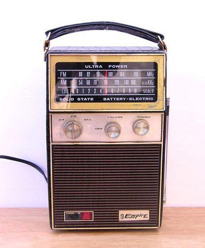 Vintage Empire Am Fm Solid State Radio Vintage 1960 S Portable