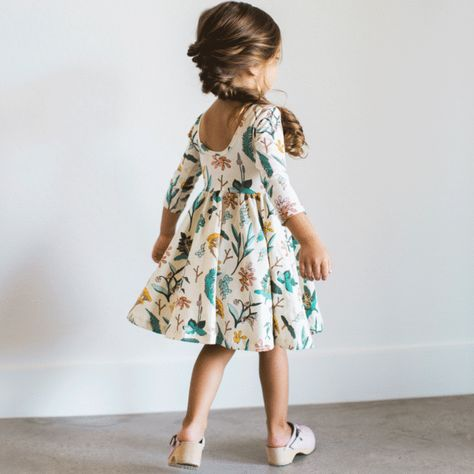 Such cute dresses for little girls. Family pictures. Alice & Ames